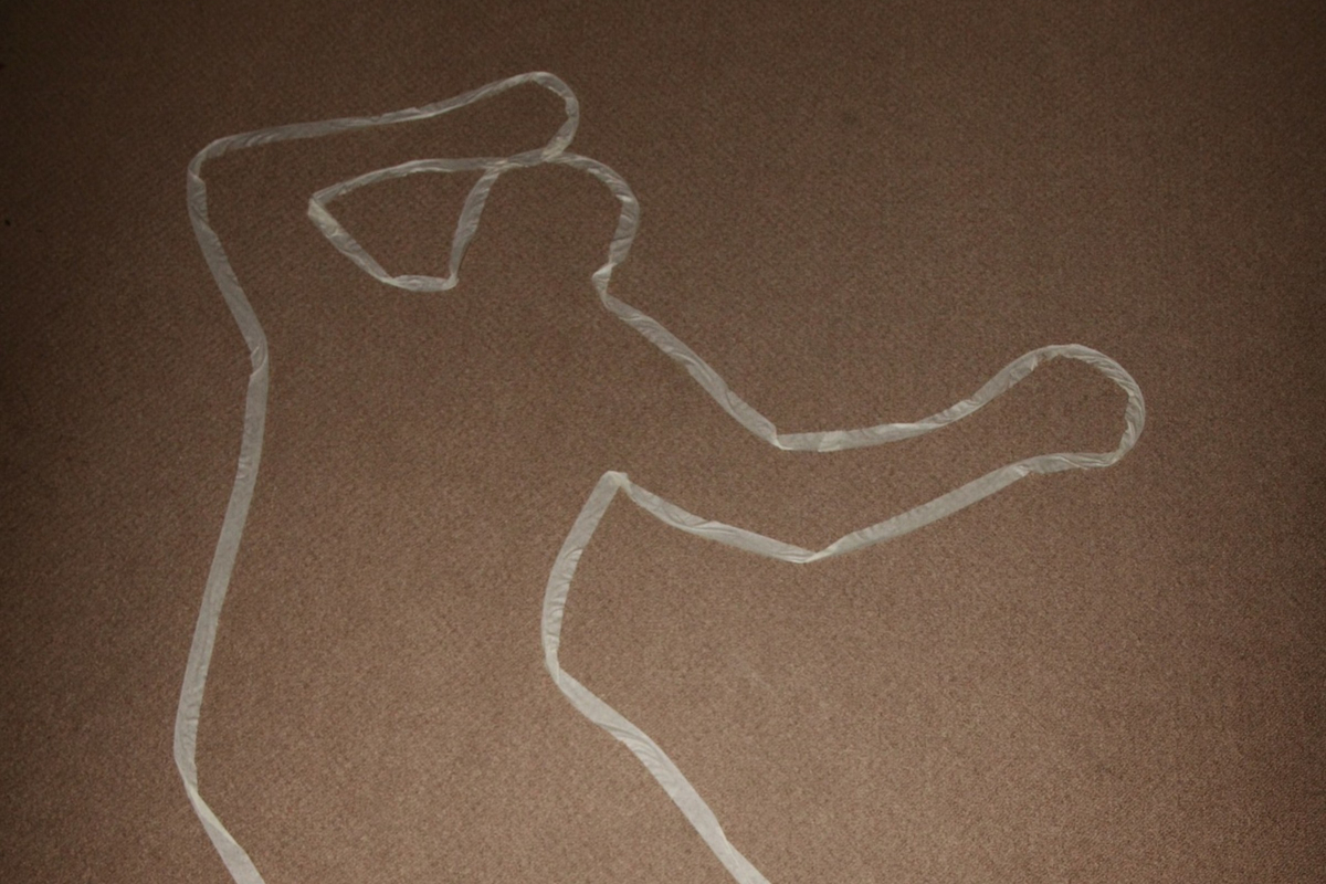 Willing Wit over Gory Details of Murdered Chaps